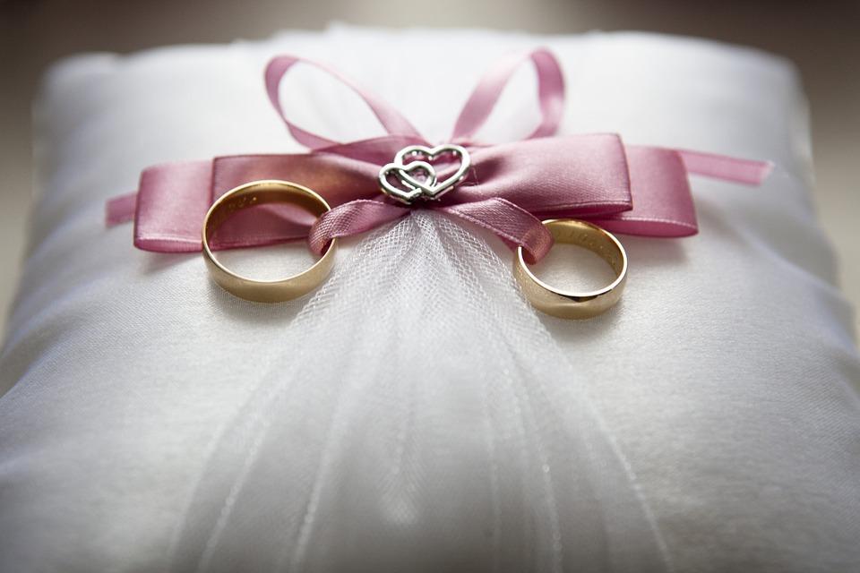 実は結婚指輪は高く売れる!指輪の高価買取に必用なこととは!?