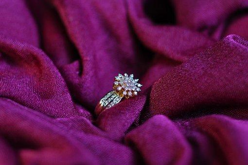 ダイヤモンド査定は慎重に!買い叩かれないためにするべきことは?のサムネイル画像
