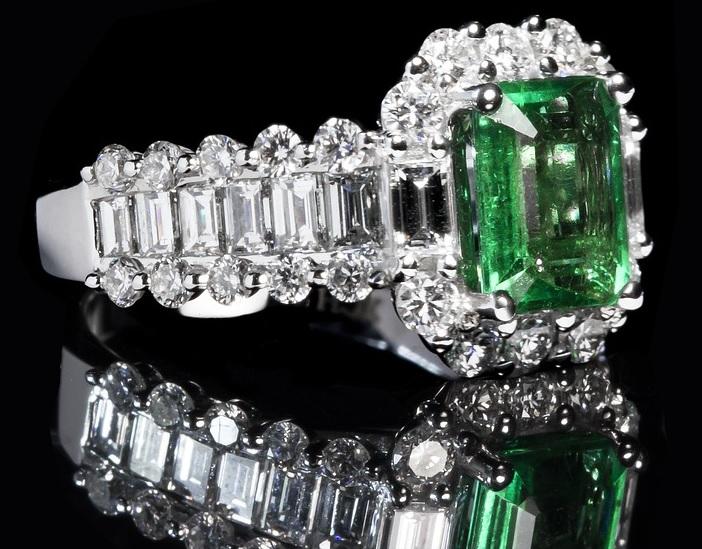 エメラルドの指輪、買取価格をアップさせるためには買取店の選び方がネック?